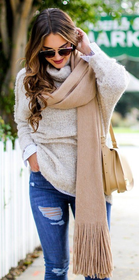 Topshop High Waisted Jeans + Beige Sweater                                                                             Source
