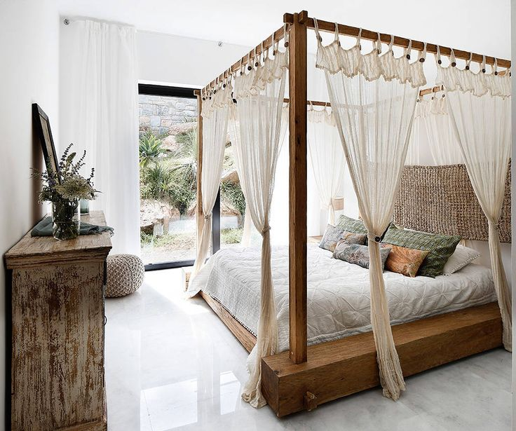 Camera da letto moderna di Engel & Völkers Bodrum