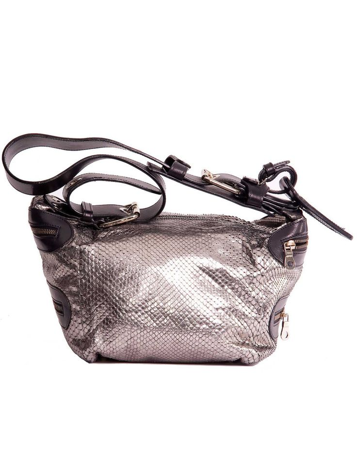 Chloé | Camera Bag in silver www.sabrinascloset.com