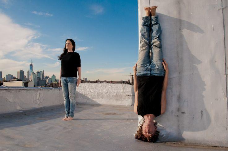Derek Pashupa Goodwin - преподаватель дживамукти йоги и фотограф из Бруклина говорит, что заинтересовался фотографией с раннего детства. Тогда он любил просто фотографировать все вокруг. Однако, с возрастом из простого увлечения фотография стала его профессией, он закончил курс художественной фотографии в Рочестерком Технологическом университете и начал работать профессиональным фотографом.