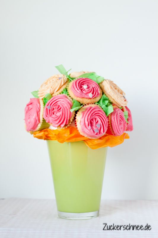 cupcake blumenstrau der fr hling kann kommen backideen pinterest blumenstrau cupcake. Black Bedroom Furniture Sets. Home Design Ideas