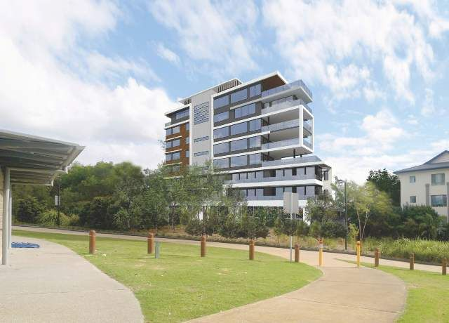 Park Vista - 8 storey apartment building seconds to the beach, and walking distance to Currumbin Creek.