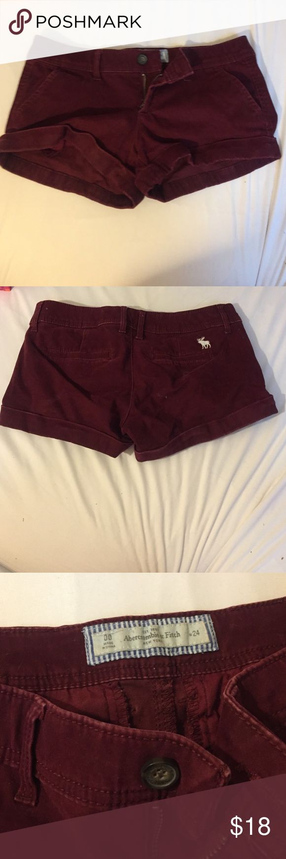 Maroon low waist Abercrombie and fitch shorts Maroon Abercrombie and fitch shorts, low waisted Abercrombie & Fitch Shorts