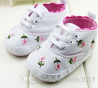 Fille de fleurs brodées de dentelle de mignon bébé walker chaussures chaussures chaussures chaussures enfants toddler fond mou nourr sWYu8eW