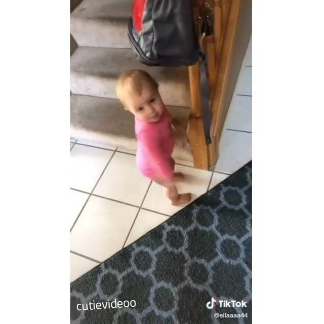 Awesome Kids Baby Famliy S Instagram Video Follow Awekidz Share It Or Tag A Dad Mom Dm For C Baby Clips Kids Dad Mom