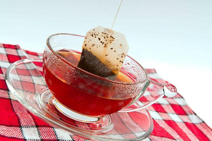 Wat doe jij na het zetten van een lekkere kop thee met het theezakje? Juist. Datverdwijnt in de prullenbak. Zonde! Je kunt die zakjes namelijk nog voor veel dingen gebruiken. Wat dacht je van pasta op smaak brengen of muizen verjagen met theezakjes? De mogelijkheden zijn eindeloos....