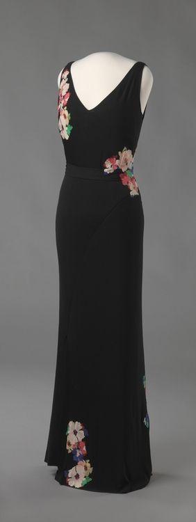 Dress Jean Patou, 1932-1934 The Victoria & Albert Museum #vintage couture #patou