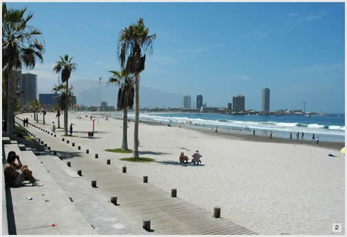 Iquique. La playa/The beach
