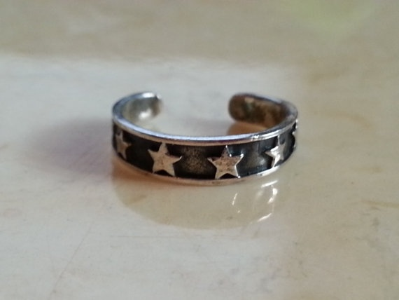 Vintage Sterling Silver 925 Star Toe Ring by MyYiayiaHadThat, $10.00