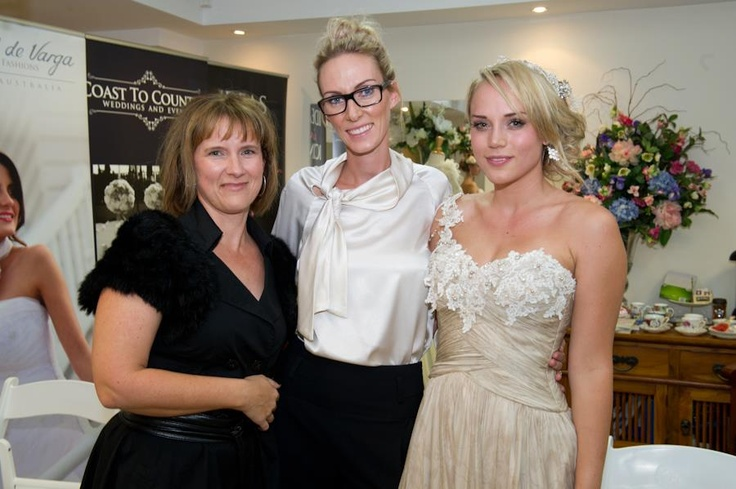 EdV Creative Director Tammie with gorgeous model Bec and Heidi from @Shut The Front Door ❥ Bridal Accessories