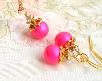 Regalo de la perla caliente rosa de Dama de honor, joyería Set de aretes collar, Set de regalo de la Dama de honor de color de rosa caliente, joyería de bodas, favores de la boda fucsia