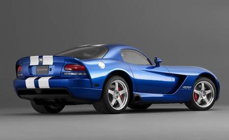 2006 Chevrolet Corvette Z06 vs. 2006 Dodge Viper SRT10 - Photo Gallery of Comparison Tests from Car and Driver - Car Images - Car and Driver