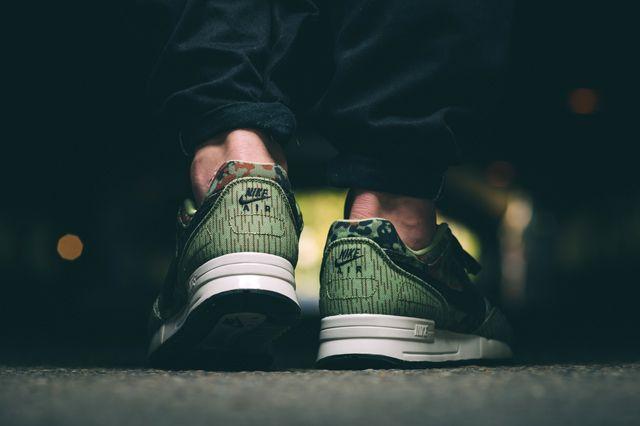 NIKE AIR PEGASUS (GERMAN REUNIFICATION) - Sneaker Freaker