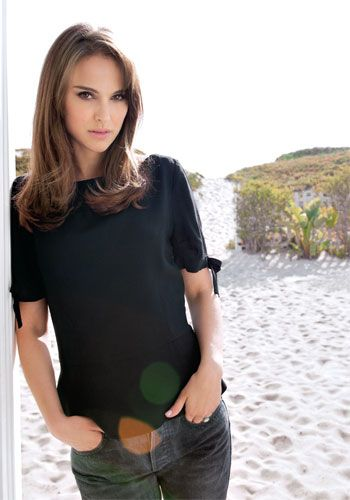 Academic, star, actress and mother, Natalie Portman, sits down with ELLE Canada to discuss how she does it all.