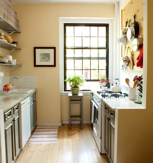 Kitchen Storage Ideas: Wall Colors, Small Kitchens, Kitchens Ideas, Peg Boards, Design Kitchen, Galley Kitchens, Modern Kitchens, Food Photo, Hanging Pots