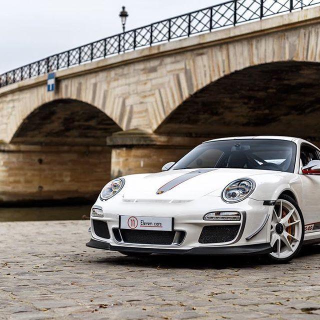 New toy available. Porsche 997 GT3 RS 4.0 - 2011 #porsche #911 #997 #gt3rs40 #gt3 #rs #cars #supercars #carsofinstagram #instacars #carporn #drive #drivetastefully #follow11 #elevencars #paris pic @kevinvanc
