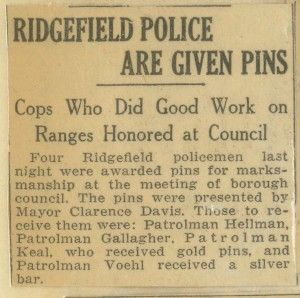 1/29/15 - Ridgefield Police are Given Pins
