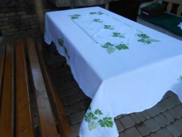 long round tablecloth