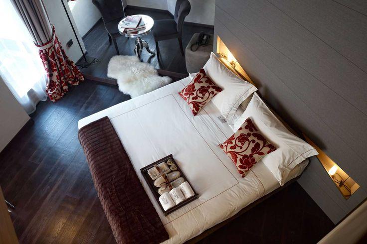 Design e comfort durante le tue vacanze sulle Dolomiti di Brenta. #trentinocharme #madonnadicampiglio