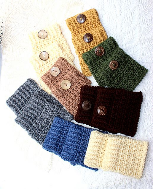 free pattern ~ Ribbed Boot Cuffs by Kris Moore ~ http://www.ravelry.com/patterns/library/ribbed-boot-cuffs-8