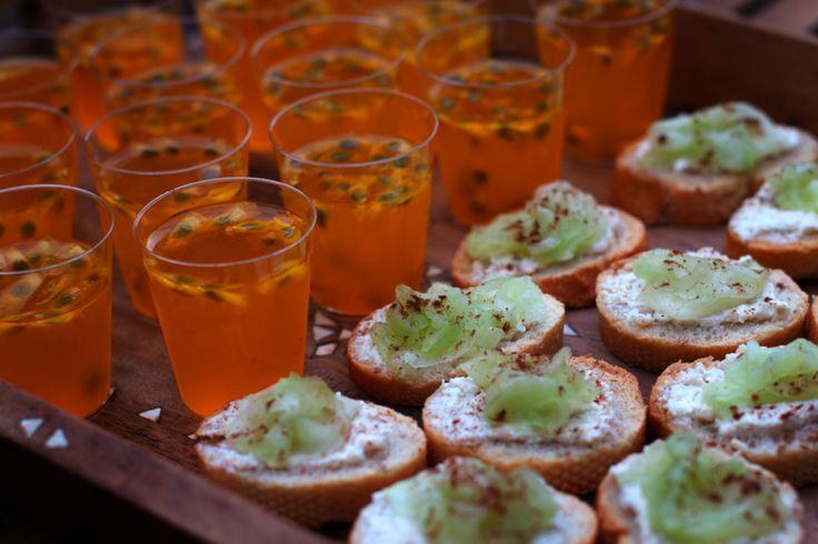 Shots de Gelatina + Torradinhas com Pepino