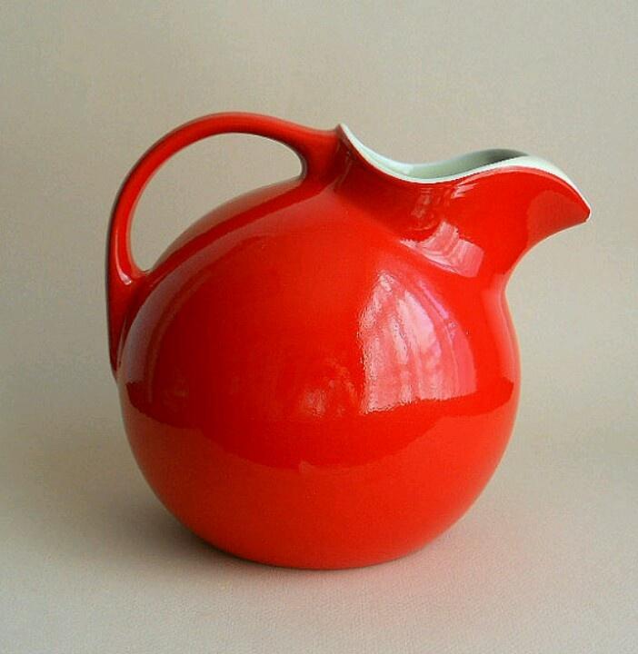 Vintage jug - wish I had it in my cupboard!  Love it.