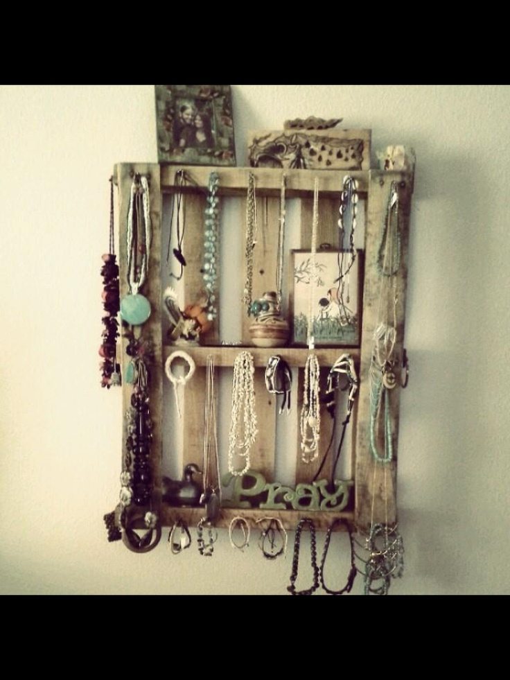 Up cycled pallet made into a jewelry display...