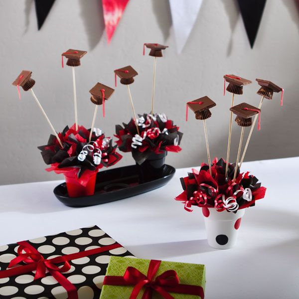Red and black graduation decorations ideas