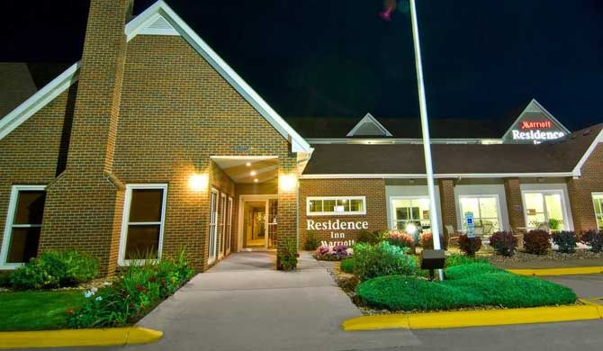 Residence Inn Sioux Falls Our pet-friendly hotel in Sioux Falls, SD offers spacious and comfortable suites with full kitchens at a fantastic location off of I-29 next to the Empire Mall and entertainment venue, The... #Apartment #Hotel  #Travel #Backpackers #Accommodation #Budget