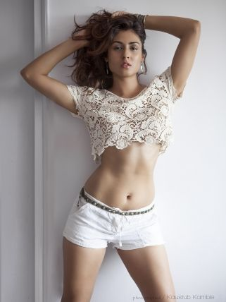 The hot and sexy navel of unseen masala girls models of indian in which the cute girls actresses are showing their seducing navel in saari. ...