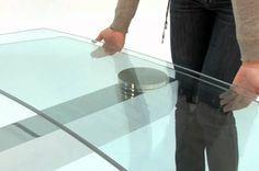 Κάντε τα γυάλινα τραπέζια σας να αστράφτουν με το πιο απλό τρόπο… Θα χρειαστούμε ένα πανί και ένα καθαριστικό που θα σας δείξω πως φτιάχνετε παρακάτω. εγω χρησιμοποιώ πανάκια απο μικροίνες, που καθαρίζουν απαλά και δεν αφήνουν