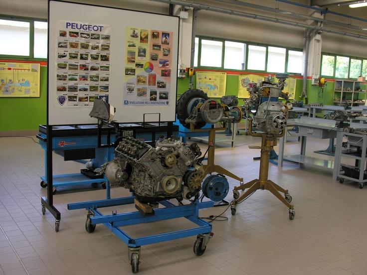 Il Centro Servizi Formativi #Enaip FVG di Pasian di Prato: il laboratorio di Automotive del corso Manutentore auto e moto