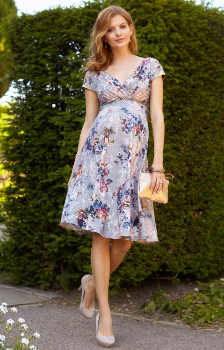 Channel vintage day style, in the Alessandra short dress in beautiful vintage blooms.