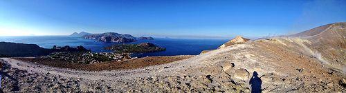 Panoramica dal Gran Cratere di Vulcano - #eolietour13 #vulcano #isoleeolie #sicilia #italia #italy #trekking