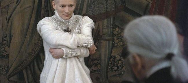 Η ηθοποιός Tilda Swinton πρωταγωνιστεί στη νέα καμπάνια του γαλλικού οίκου Chanel