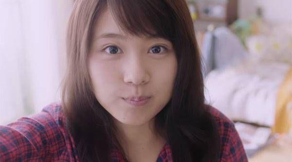 「恋愛したい芸能人No.1」有村架純の「クシャッと笑顔」セルフィーが可愛すぎる!【動画】 - グノシー