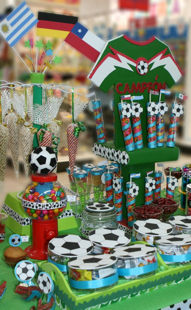 17 best images about fiesta fut on pinterest mesas for Decoracion pared infantil