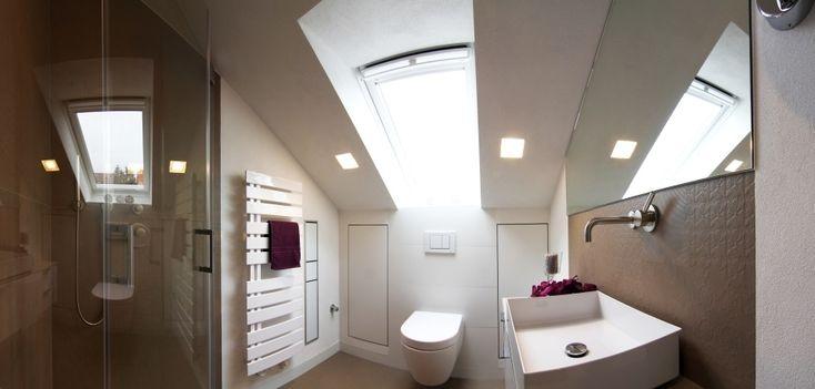 Badezimmer Dachschräge Beleuchtung #BadezimmerDachschrägeBeleuchtung