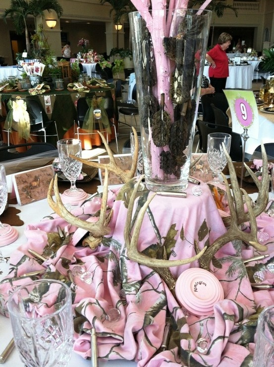 A Beautiful Realtree Pink Camo Party Theme Table Decoration