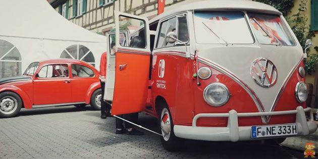 Alte Hasen treffen sich: Der Nintendo Switch-Bulli auf dem Oldtimer-Treffen in Hattersheim: Der VW-Bus mit dem Namen Bulli wird bereits…
