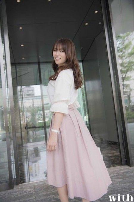 深田恭子「謎のOL」着まわしコーデが大人可愛い