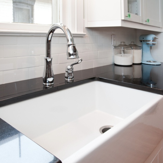 Oversized Farmhouse Sink : My lovely farmhouse sink...large enough to bathe my babies inside of ...
