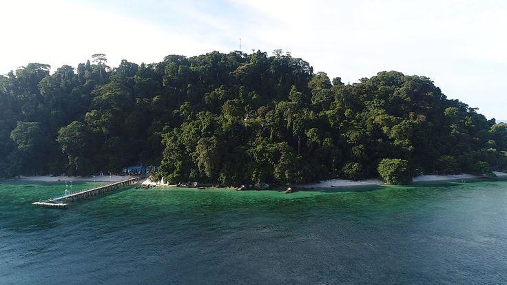 dok.@jejakrimba_mnctv   DIBALIK LAYAR JEJAK RIMBA  - Pulau Berhala  adalah sebuah pulau  di Sumatera Utara - Indonesia , tepatnya di keca...