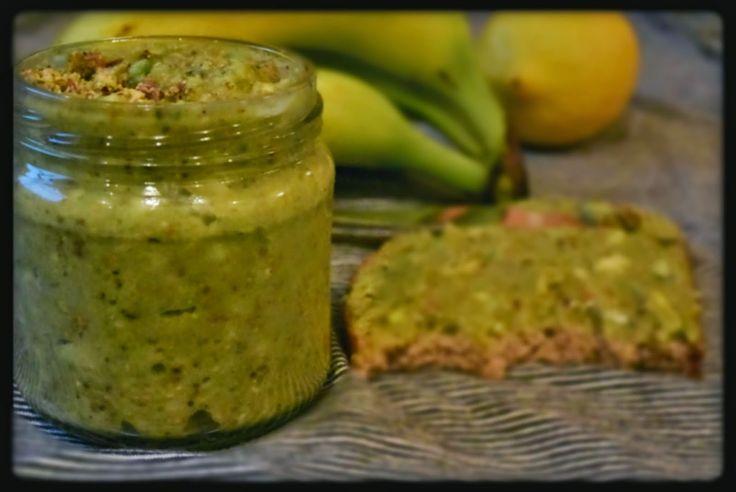 Pasta z avocado i pistacjami