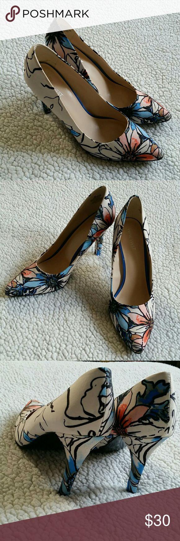 Nine West heels NWOB. Nine West floral heels. Nine West Shoes Heels