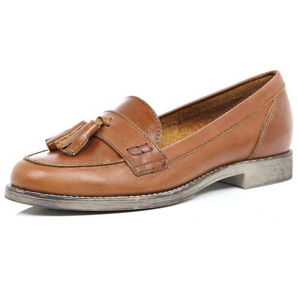 River Island Brown leather tassel loafers (€80) ❤ liked on Polyvore featuring shoes, loafers, brown, loafers / pumps, shoes / boots, women, genuine leather shoes, brown loafers, loafer shoes and real leather shoes