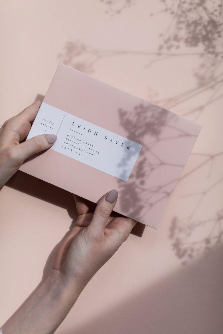 EYI Love – Modernes, minimalistisches Hochzeitsbriefpapier, Foliendrucke + Kalligraphie wedding stationery