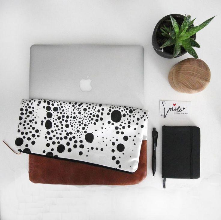 cosmos laptop clutch