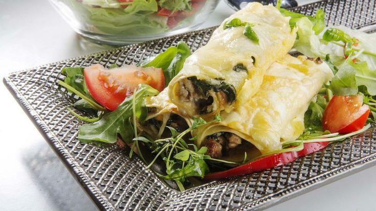 Prøv en rullings - cannelloni med kjøtt- og spinatfyll - Lyst på litt forandring i pastamenyen? Rull deg en cannelloni!