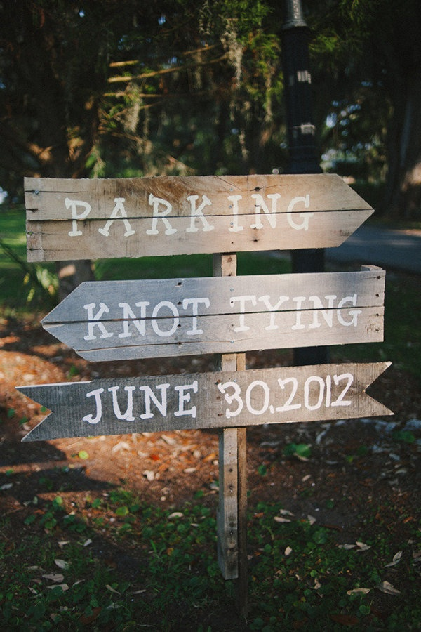 Knot TyingWedding Signage, Floral Design, Wedding Ideas, Rustic Signs, Wood Signs, Knots Ties, Wooden Signs, Wedding Signs, Outdoor Receptions